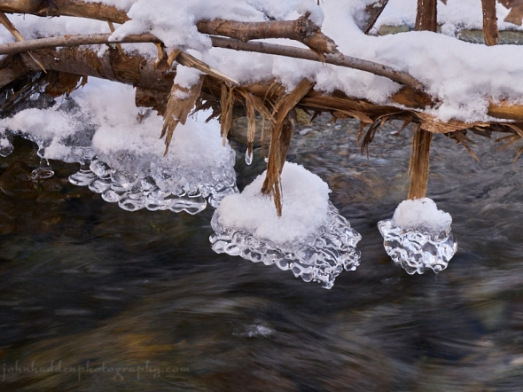 stream-ice-dangles